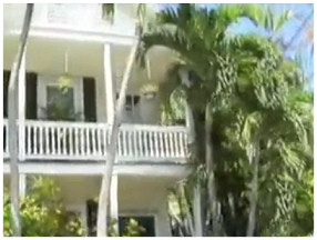 An exciting 90+ minute fully narrated tour of Key West